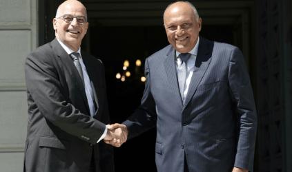 Βρυξέλλες: Πρόγευμα εργασίας του Νίκου Δένδια με τον Αιγύπτιο ομόλογό του