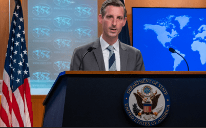 Εκτροπή αεροσκάφους στο Μινσκ: Το ΥΠΕΞ των ΗΠΑ αξιώνει την άμεση απελευθέρωση του δημοσιογράφου