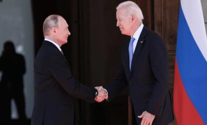Ανοίγουν ξανά οι πρεσβείες σε ΗΠΑ-Ρωσία