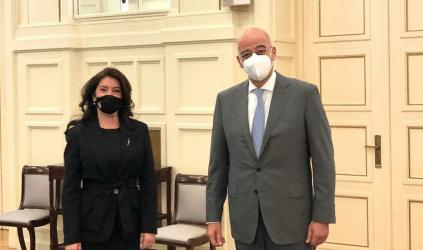 Συνάντηση Νίκου Δένδια με την Πρέσβη της Αλβανίας