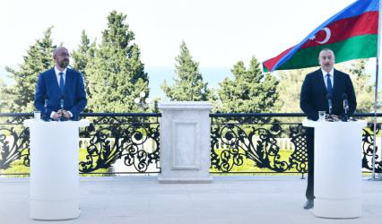 Χατίρια και τερτίπια: Γιατί το Αζερμπαϊτζάν δεν θα αναγνωρίσει το «ψευδοκράτος» στην Κύπρο