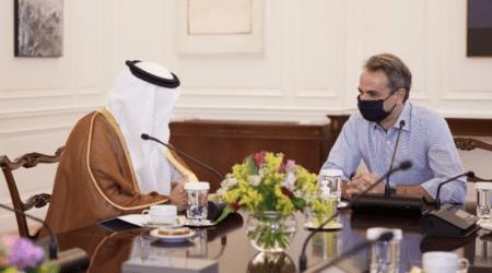 Διμερείς σχέσεις, εμπόριο και επενδύσεις στη συνάντηση του Πρωθυπουργού με τον Υπουργό Επενδύσεων της Σαουδικής Αραβίας