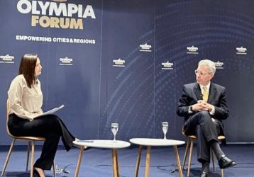 Συναισθηματικά φορτισμένη η ομιλία του Τζέφρι Πάιατ στο Olympia Forum