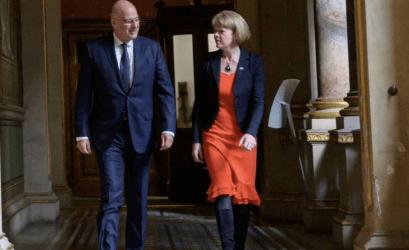Βρετανίδα ΥΠΕΞ: Η συμφωνία με την Ελλάδα ενισχύει τη συνεργασία στους τομείς της ασφάλειας και της άμυνας